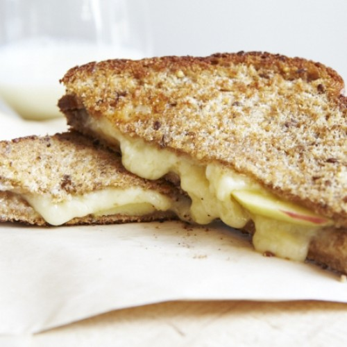 Grilled Cheese with Garlic Apples