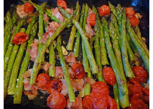 Roast Asparagus with Cherry Tomatoes and Bacon - Sweet ...