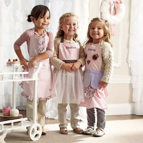 Sweet Stuff: Personalized Aprons