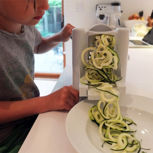 Giving Up Gluten: Gadget crazed housewive makes zucchini noodles