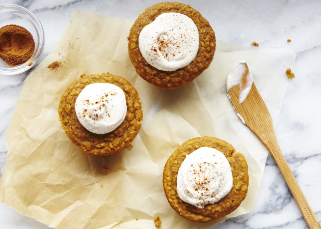 Pumpkin Oat Muffins with Spiced Cream Cheese Spread ...