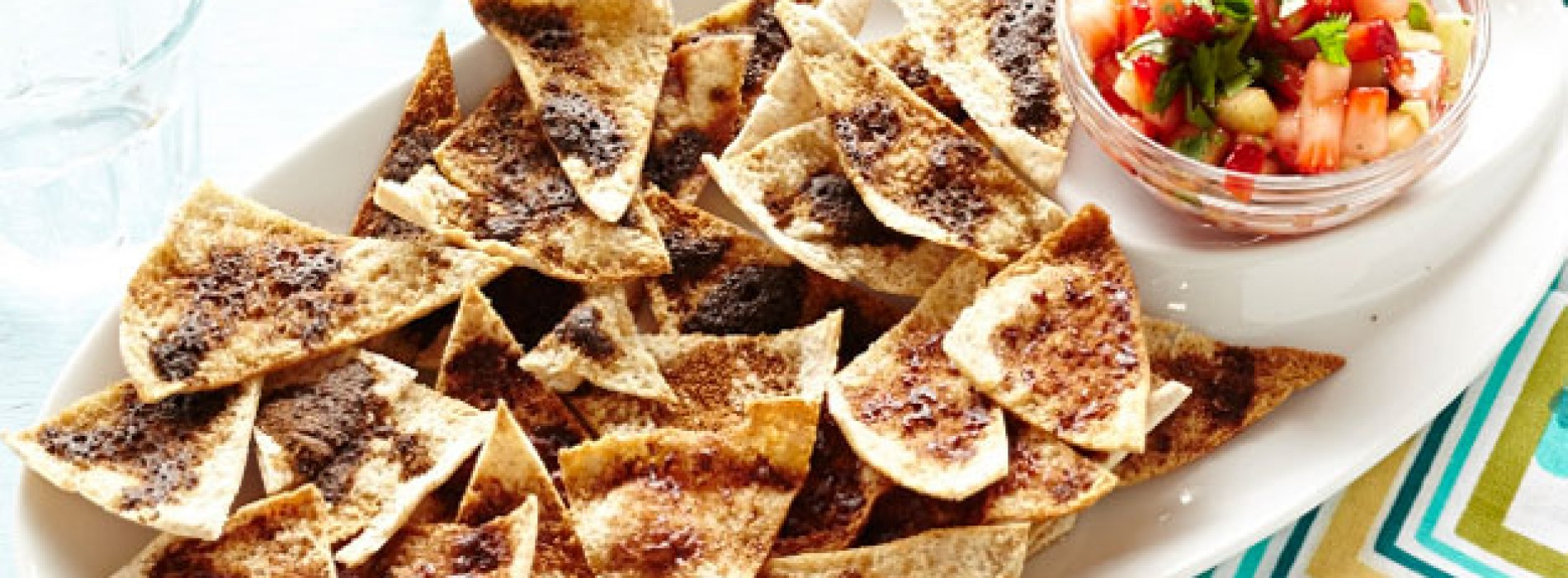 Nibbles Week: Baked Pita Chips and Fruit Salsa
