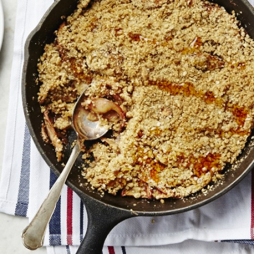 Ginger Apple Skillet Crumble