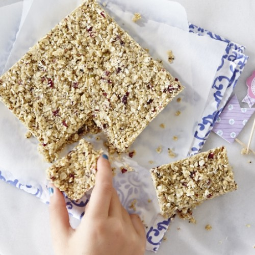 No-Bake Oat and Fruit Bars